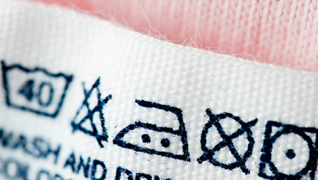 สัญลักษณ์สากลของป้ายสำหรับการดูแลรักษาเสื้อผ้า (Care Label)  (1/6)